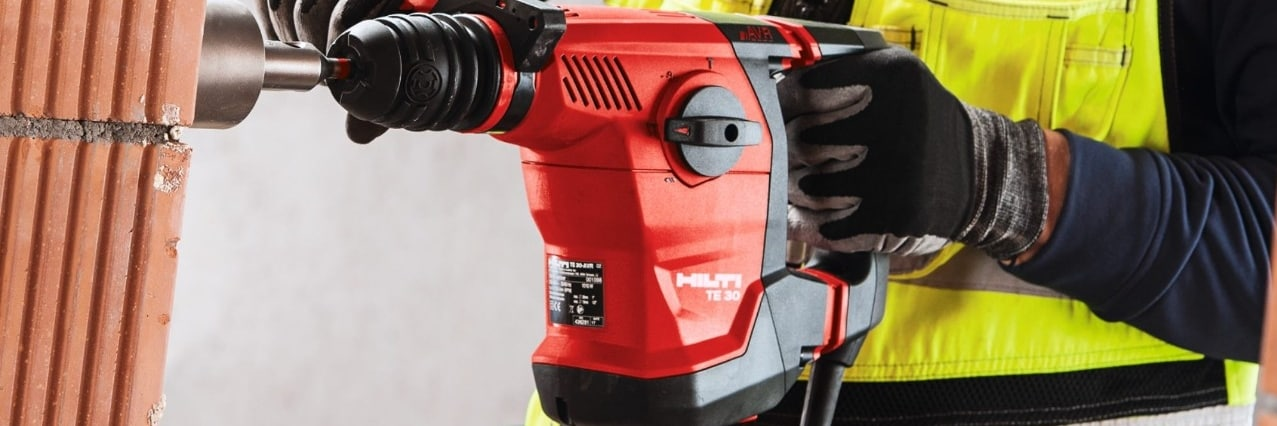 TE 30-ATC/AVR Combihammer for drilling and chipping in concrete masonry and rotary drilling in wood and steel